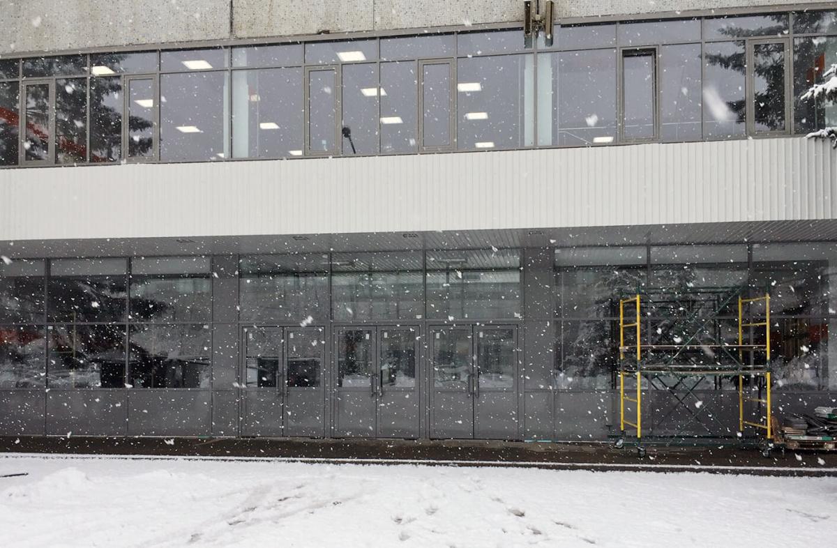 Алюминиевый окрашенный фасад